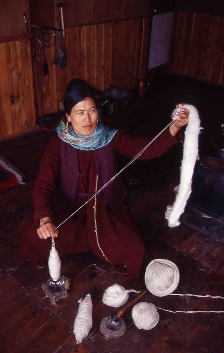 Traditional craft in Ladakh  #women #Himalaya #craft #livelhood #mountain #wool #handloom #empowerment #Ladakh @PragyaNGO