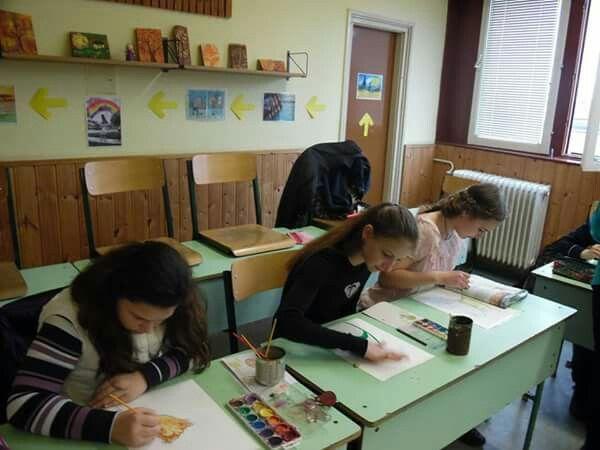 Art lesson at school