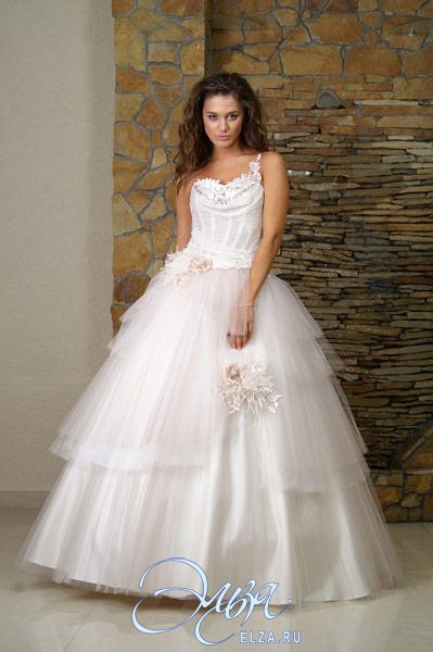 Свадебные платья с вырезом анжелика