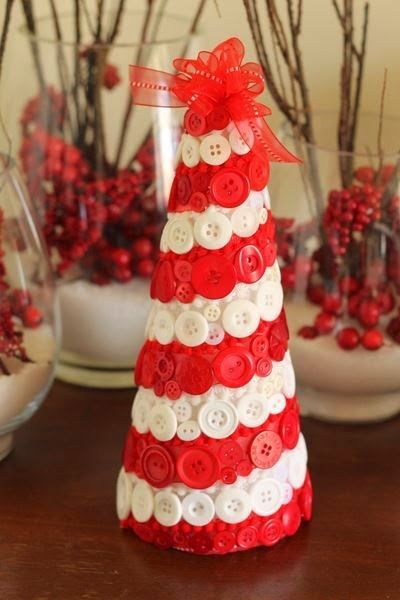 DIY Candy Cane Striped Button Tree