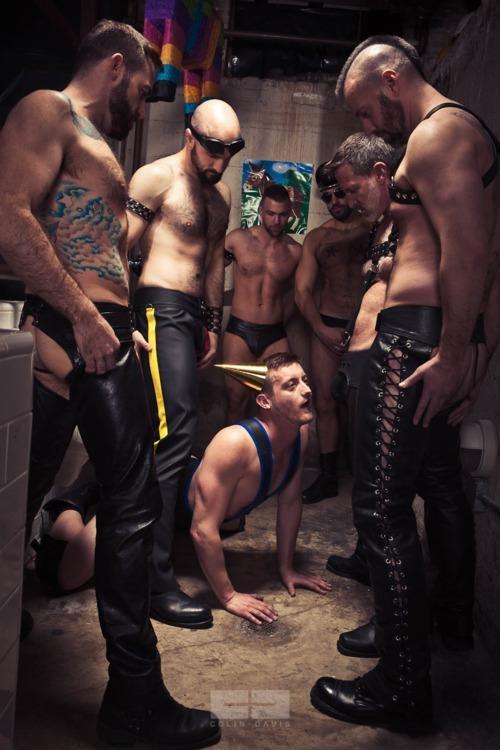 Teen guy nude locker room