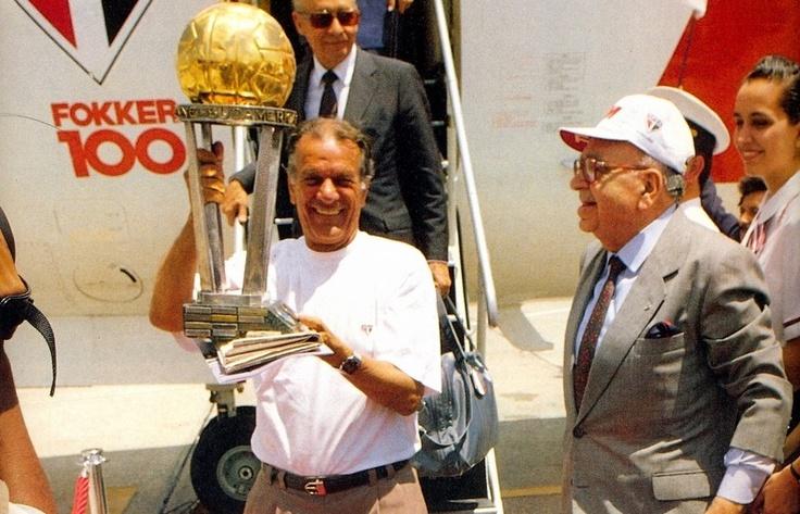 São Paulo Futebol Clube - 81 anos de Mestre Telê - (Uma enorme falta: Foto por Site Oficial/ saopaulofc.net)