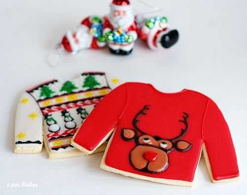 The ORIGINAL Ugly Christmas Sweater Cookies!! See the cookie that started a trend! UGLY CHRISTMAS SWEATER COOKIES #uglysweatercookies #uglychristmassweater