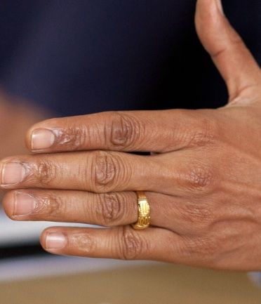 NEW YORK– As a student at Harvard Law School, then-bachelor Barack Obama's practice of wearing a gold band on his wedding-ring finger puzzled his colleagues. Now, newly published photographs of Obama from the 1980s show that the ring Obama wore on his wedding-ring finger as an unmarried student is the same ring Michelle Robinson put […]