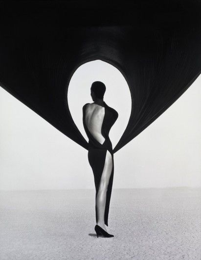 The work of 90's photographer Herb Ritts will be showed in an expo in the Museum of Fine Arts Boston. Click on the image to read more.