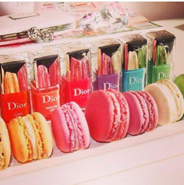 Who knows where to buy macaroons ??!!