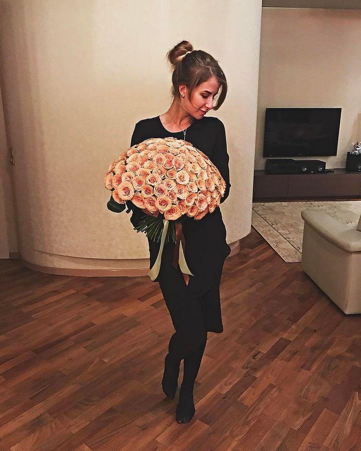 101 coffees ��☕️���� . . . . . #girl#girls#moscow#walk#pretty#blond#blonde#smile#gorgeous#selfie#photo#beauty#beautiful#good#day#beautifulday#black#weekend#love#like#like4like#likeforlike#likes#likeforlike#l4l#me#mood#food#foodporn#foodlover http://www.unirazzi.com/beauty/post/1482815091702527281_23425554/?code=BSUBHg4hHUx