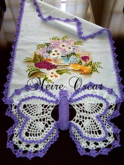 Pano de copa com barrado borboleta feita no tecido estilotex com pintura e crochê faço na cor desejada
