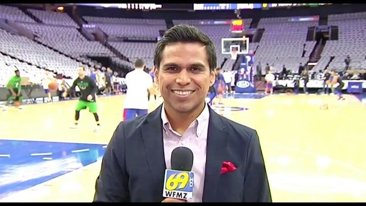 "With el #Ruso @blairussian pre-recording a @sixers headline for the opening of the @wfmznoticias69 #newscast. ""That's it @gmusicfan thank you!"" . . #Sixers #Philadelphia #basketball #baloncesto #bilingual #deportes #sports #anchor #tv #NBA #Peru"