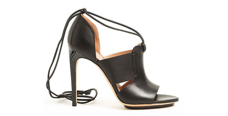 Calvin Klein les chaussures mode de la saison printemps ete 2015 http://www.vogue.fr/mode/shopping/diaporama/les-30-chaussures-mode-de-la-saison-printemps-ete-2015/21847/image/1131500#!calvin-klein-les-chaussures-mode-de-la-saison-printemps-ete-2015