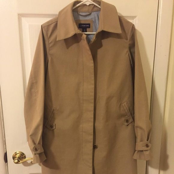 Land's End ladies raincoat. Land's End ladies raincoat. Excellent condition barely worn. Outside pockets and one pocket inside. Lands' End Jackets & Coats Trench Coats
