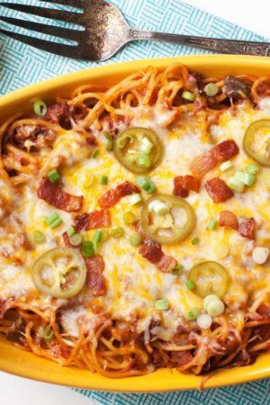 Even the pickiest pardners at your dinner table will love this tasty pasta bake topped with jalapenos, cheese and bacon. Double up this meat-lover's recipe and set half of it aside for freezing. What a fun way to mix up spaghetti night!