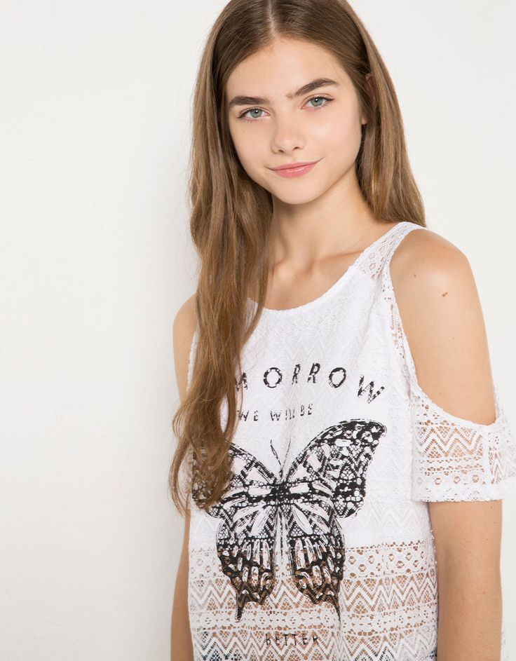 BSK off-the-shoulder lace print T-shirt - T- Shirts - Bershka United Kingdom