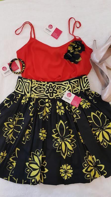 Falda de Saburete con hermoso trabajo de saburete mola en la cintura.  Blusa de chiffon con broches de flores de saburete a juego con la falda y pulseras en la misma linea.  Siguenos en instagram guairabyjt