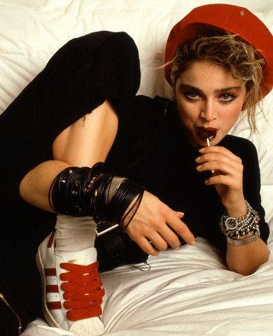 В 80-е годы Мадонна придерживалась образа сексуально-раскрепощенной девушки