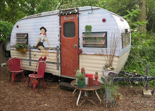 I love the cowgirl graphic :)): Vintage Trailers, Trailers Trash, Camps Trailers, Travel Trailers, Guest Houses, Sweet Home, Cool Campers, Westerns Style, Vintage Campers