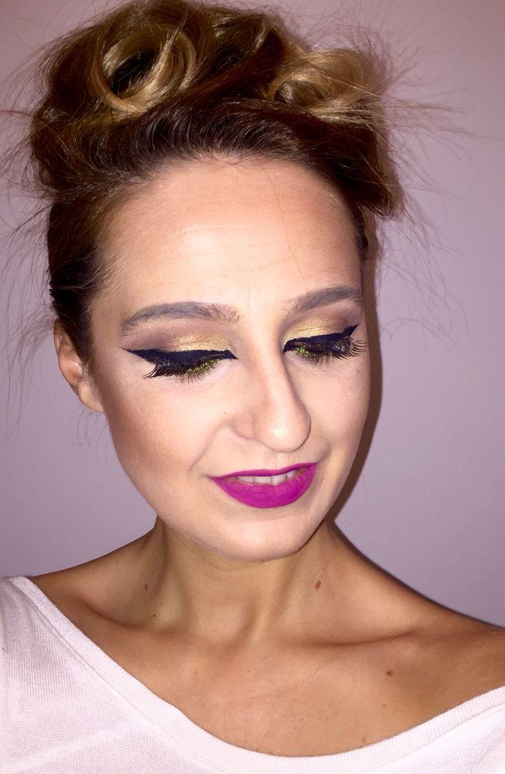 Cat eye makeup