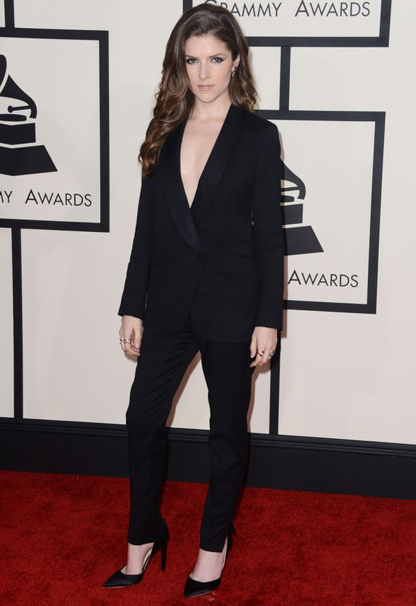 Le tapis rouge des Grammy Awards 2015: Anna Kendrick en Band Of Outsiders.