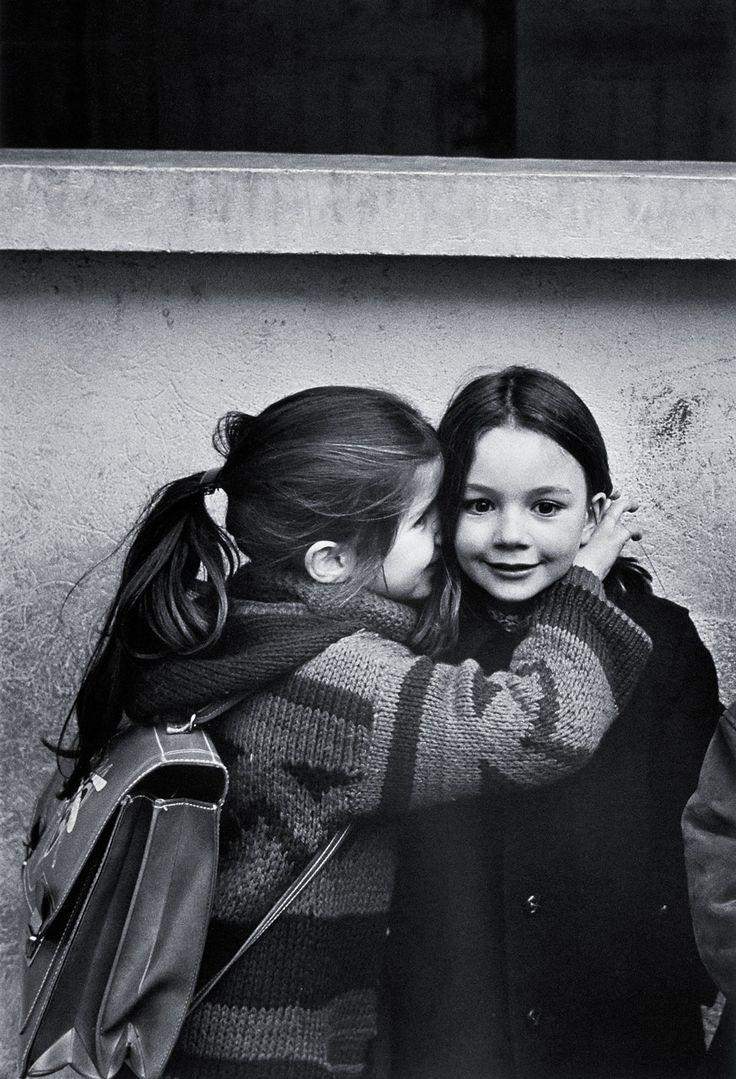 Le Secret, Eglantine et Laurence | photo by Jean-Philippe Charbonnier, Paris 1979.