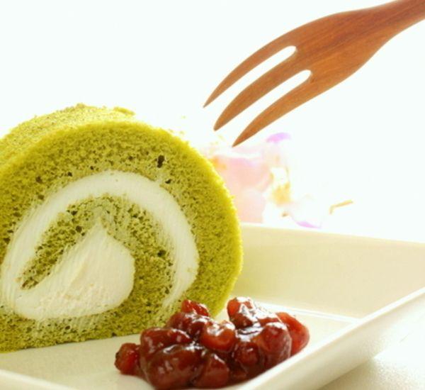 Matcha And Azuki Roll Cake