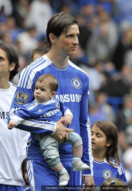 We are not worthy of seeing Fernando Torres and his son, Leo, like this.