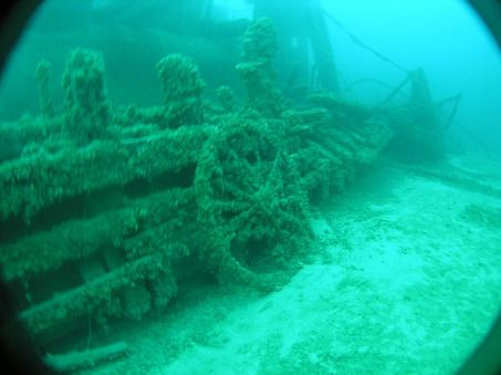Shipwrecks Lake Michigan: cold water keeps them preserved better than shipwrecks in the ocean