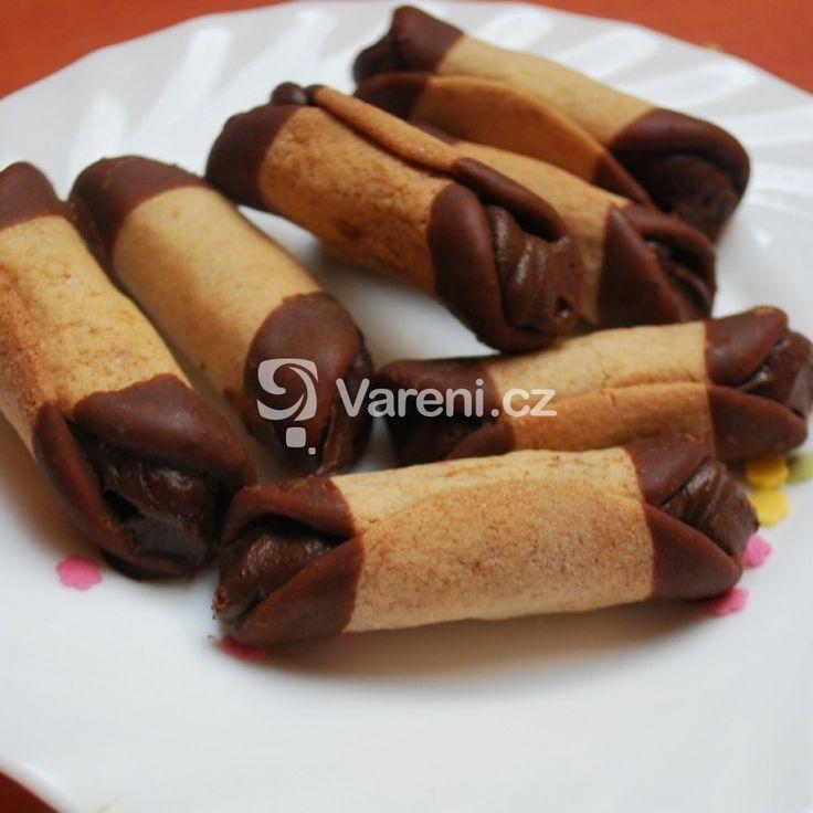 Medové trubičky plněné čokoládovým krémem