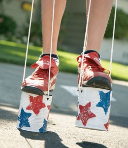 Make Classic Can Stilts!: Crafts For Kids, Ideas, Fourth Of July, July Crafts, Kids Crafts, 4Th Of July, Tin Cans, Tins Cans, Art Projects