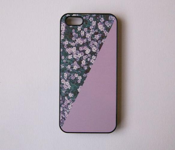 Lilac purple phone case. So cute!