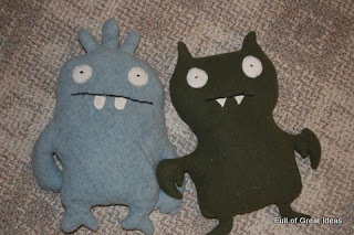 Tutorial how to sew your own ugly dolls.  These things are so expensive to buy, I'm excited to make one!