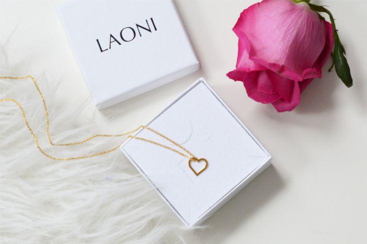 Szukasz pomysłu na prezent dla kobiety? Mamy dla Ciebie poradnik zakupowy: http://laoni.pl/prezent-dla-kobiety