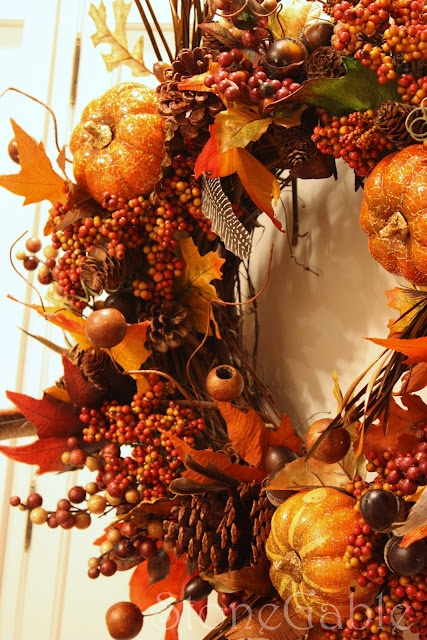 FALL PUMPKIN WREATH tutorial. Great step-by-step instructions & helpful hints.