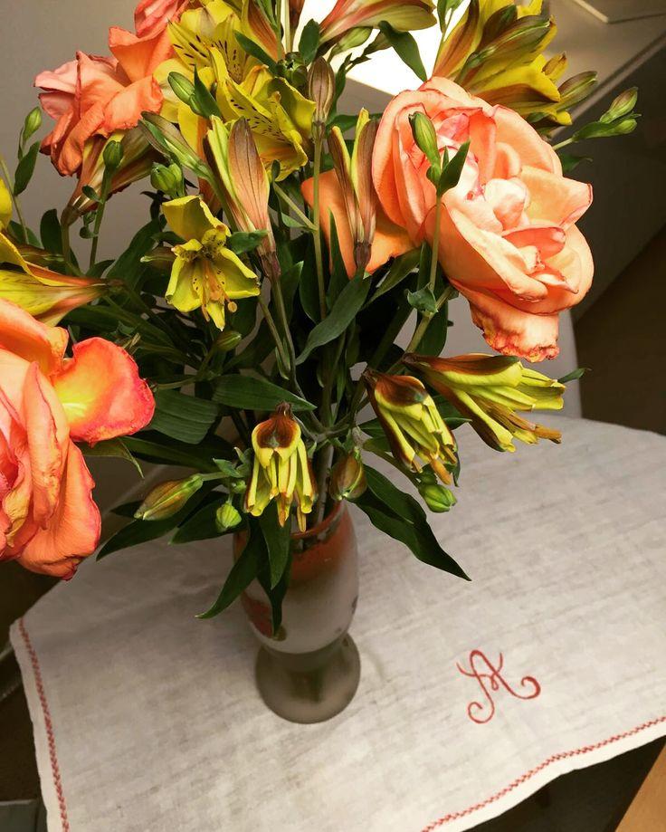 Flowers roses broderie
