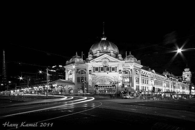 Melbourne Flinders Station at night |