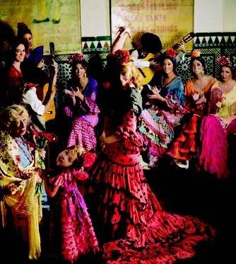 Moi ! Je ne suis pas du tout musicien ! Mais ! Je crois que j'ai l'oreille musicienne…  Mais pas tant qu'elle ! J'ai des connaissances des aptitudes qui apprécie la musique… J'ai la goûte particulièrement sans la pratiquer… Je ne suis pas obliger de jouer au violon ni au piano. Pour devenir un musicien. Mais je connais et entendu de Vienne  des symphonie classique et romantique… De ces symphonie concertante et orchestrale… ou toutes    Feria Abril de Sevilla ♥…