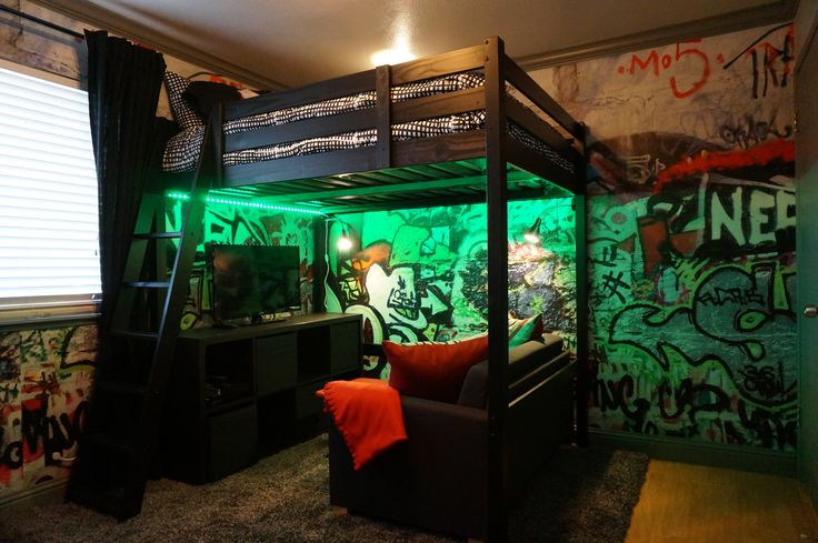 Loft bed and graffiti walls teenage boy industrial loft for Cool gamer bedroom ideas