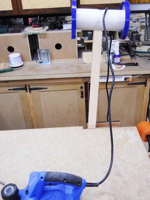 Retractable Power Tool Cords / Cordons d'outils électriques rétractables