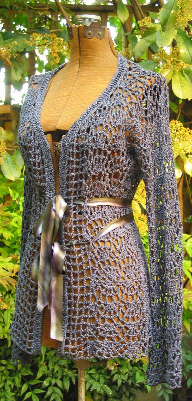 Baroque Ladies Jacket Crochet Pattern - seamless, change sleeves to bell sleeves