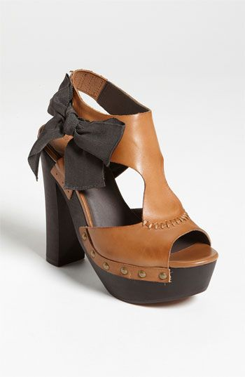 Hinge® 'Ledge' Sandal