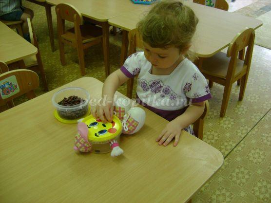 Didaktikai játékok babbal fejlesztésére finom motoros készségek kezében fiatalabb preschoolers