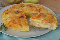 Torta di patate a strati. con gorgonzola, besciamella e mortadella, un piatto che definire gustoso è poco, buono e sostanzioso.