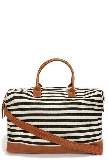the perfect weekender bag from lulu's