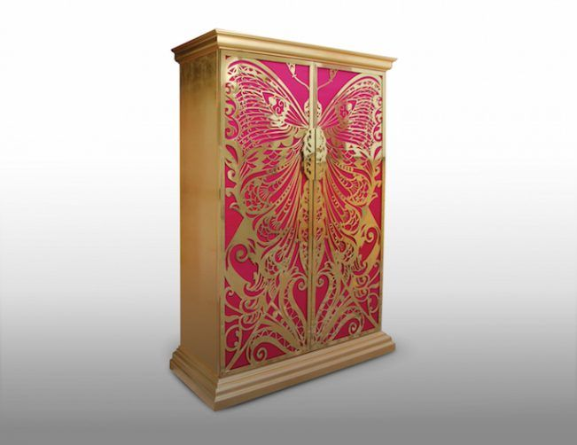 Armoire Decoration for your Living Room Décor