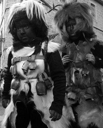 Escursioni Sardegna: Affascinante Tour dei Carnevali in Sardegna