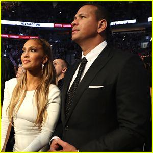 Jennifer Lopez Y Alex Rodriguez Hacer Una Elegante Pareja en el Mayweather vs McGregor Lucha!
