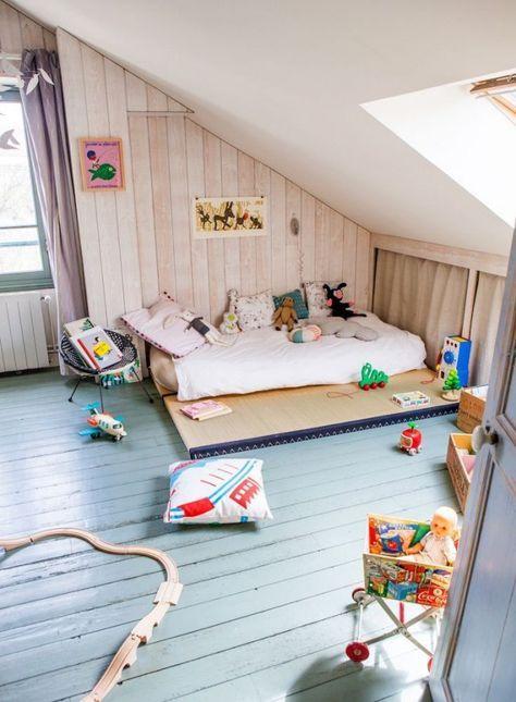 deco montessori enfant chambre lit