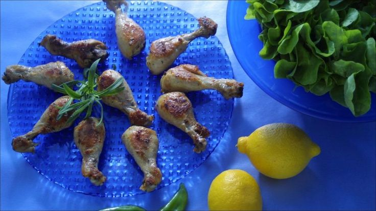 Saftige kyllingklubber med chilimarinade passer ypperlig som et lunsjmåltid.