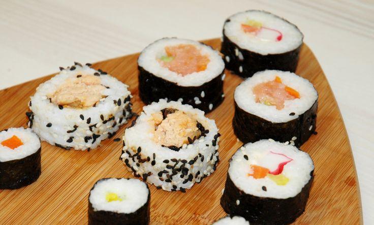 #sushi #deska #pyszne #surimi #ryż