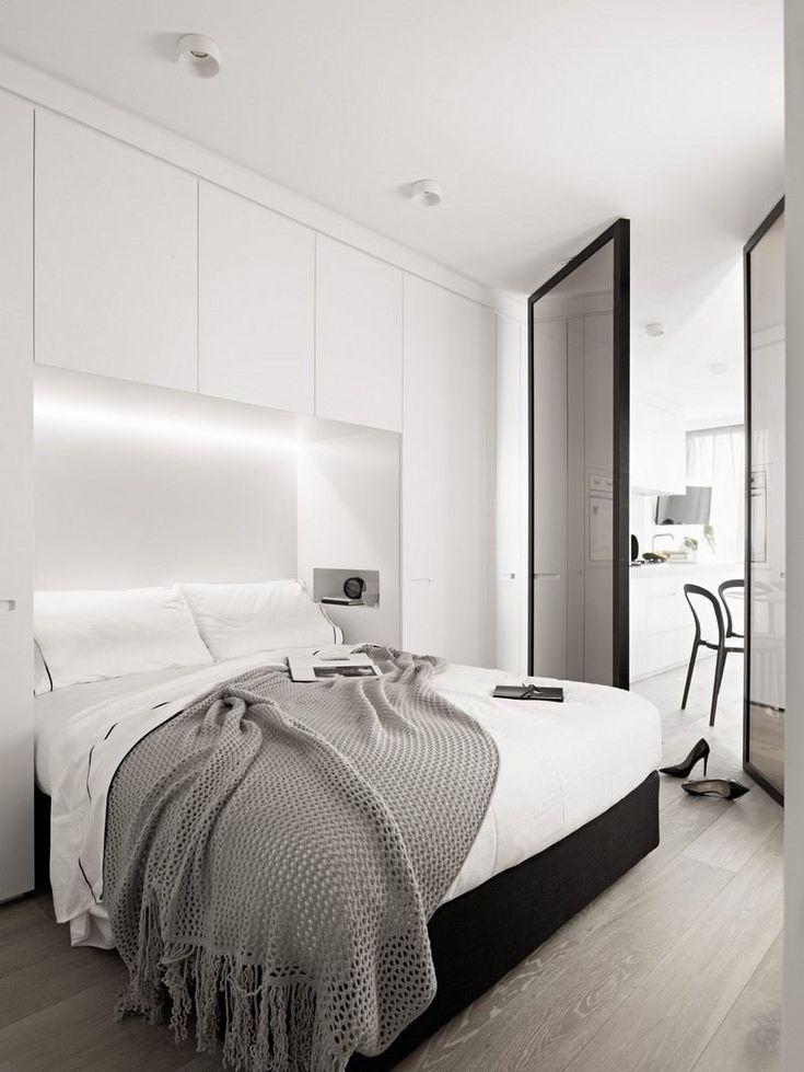 pont de lit moderne et blanc avec un éclairage LED pratique