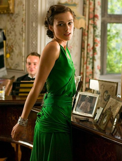 13 of the Most Iconic Movie Outfits of All Time - who doesn't need a gorgeous green dress? I do!